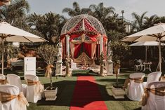 Duo - Traditional Hindu Indian Wedding - Lash and Max's wedding ceremony, KwaZulu-Natal, Mount Egecombe and De Charmoy Estate, South Africa Traditional Indian Wedding, Kwazulu Natal, Amazing Sunsets, A Day To Remember, Wedding Ceremony, Lashes, Culture, Table Decorations, Black And White