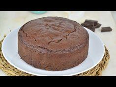 Bizcocho de yogur y chocolate fácil y jugoso ¡Sin pesar ingredientes! - YouTube Cheesecakes, Cake Pops, Vanilla Cake, A Food, Fondant, Cooking Recipes, Pudding, Cupcakes, Hui