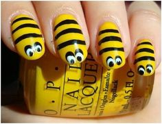 Flaunting animal themed nail art shows your wild side and it also depicts your love towards the animals or your pets. When we talk about animal nail art tutorial, it includes anything from leopard print nail arts to hell Animal Nail Art, Dot Nail Art, Cool Nail Designs, Acrylic Nail Designs, Bumble Bee Nails, Bumble Bees, Nagellack Design, Latest Nail Art, Yellow Nails