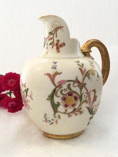 On sale England ceramic pitcher kitchenwares English porcelain pitcher Royal Worcester England hand painted