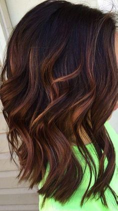 New hair color highlights and lowlights caramel low lights ideas Balayage Brunette, Brunette Hair, Balayage Hair, Brunette Shoulder Length Hair, Brunette Color, Warm Brown Hair, Light Brown Hair, Brown Low Lights, Low Lights Hair