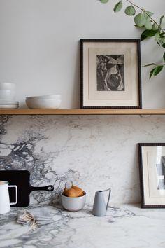It's Never Too Late to Motivate - Apartment34 #homedecor #interiordesign #moderninteriors