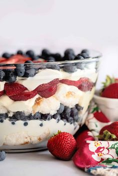 Patriotic Punch Bowl Cake Desserts Without Eggs, Baking Recipes, Dessert Recipes, Yummy Recipes, Punch Bowl Cake, Berry Trifle, Good Food, Yummy Food, Holiday Recipes