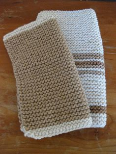 When in need for a fast, easy and fun kitchen dishcloth to knit up this is my Go To knitting pattern.