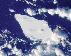 Bild tagen på isberget från rymden