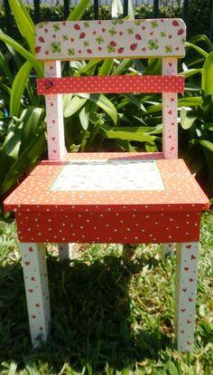 Sillita Decorada... Lucky Ladybugs,en http://ofeliafeliz.com.ar