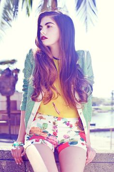 how to wear floral shorts // FULL COLOR