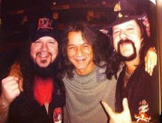 Dimebag Darrell and Vinnie Paul (Pantera) with Eddie Van Halen (The Van Halen) - Eddie Van Halen, Hard Rock, Pantera Band, Vinnie Paul, Dimebag Darrell, Beard Lover, Heavy Metal Bands, Rock Legends, Concert Posters