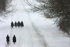 amish women walking the Sunday walk