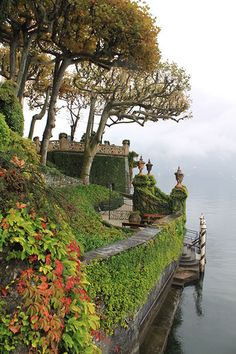 Romantic gardens of Italy, inspiration for designNashville's Castella di Rosa bedding and drapery designs Italy Vacation, Italy Travel, Italy Trip, Lac Como, Places To Travel, Places To See, Comer See, Lake Como Italy, Italian Lakes