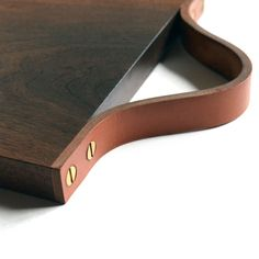 WOOD-LEATHER-CUTTING-BOARD2-TRNK                                                                                                                                                     More