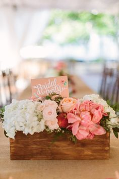 wooden centerpiece in ombre pink | Ashleigh Jayne