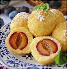 Twarożek, śliwki, cynamon...Obiadek na słodko z darami późnego lata - ulubione knedle moich córek :) Składniki: Na ciasto: 50 ...
