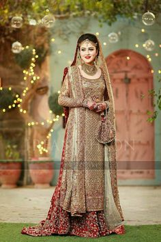 Pakistani Wedding Dress Used - Pakistani Wedding Dress Used Our acceptable banquet was at a restaurant abutting aperture to our accretion venue. The Pakistani Wedding Dress Used Asian Wedding Dress, Pakistani Wedding Outfits, Pakistani Bridal Dresses, Bridal Outfits, Desi Bride, Desi Wedding, Shadi Dresses, Indian Dresses, Pakistan Bride