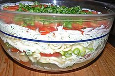 Italienischer Schichtsalat Italian layered salad Layered salad Mexican styleFruity – spicy layered salad from Salad Recipes Healthy Lunch, Salad Recipes For Dinner, Chicken Salad Recipes, Salmon Recipes, Lunch Recipes, Fall Recipes, Dessert Recipes, Cooking Recipes, Healthy Lunches