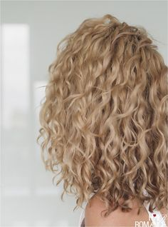 Curly Hair Styles, Thin Curly Hair, Haircuts For Curly Hair, Curly Hair Tips, Medium Hair Styles, Curly Medium Length Hair, Blonde Curly Hair Natural, Layers For Curly Hair, Blonde Curly Hairstyles