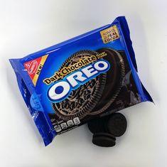 Dark Chocolate Oreo package with three oreo cookies next to the package Cookies Oreo, Cupcakes Oreo, Oreo Truffles Recipe, Sandwich Cookies, Oreo Cake, Oreo Cheesecake, Weird Oreo Flavors, Cookie Flavors, Oreo Fluff