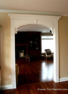Archway with fluted legs and decorative corbels. Arched Interior Doors, Interior Columns, Arched Doors, Independent House, House Arch Design, Door Design, Small Space Interior Design, Interior Design Living Room, Archway Molding