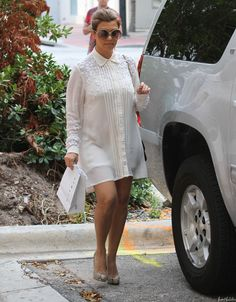 Kourtney Kardashian- Sister Time Shopping with Khloe | Kourtney Kardashian
