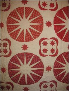 TRAPUNTO COMPASSES WITH FOUR STAR MEDALLIONS ANTIQUE QUILT