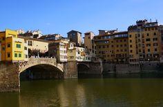 Ponte Vecchio, Firenze, Italy 피렌체 아르노 강변에서 바라본 베키오 다리 - Photo by Gomto ( Korea)