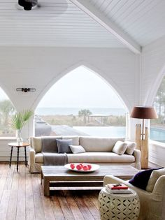 Modern Southern porch design on the coast of South Carolina, John Mellencamp home tour on Thou Swell @thouswellblog