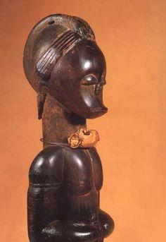 Una de las valiosas esculturas fang robadas en la Fundación Folch | Edición impresa | EL PAÍS