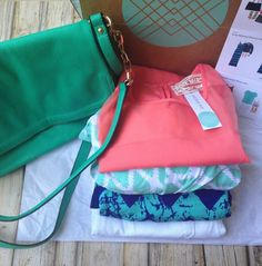 August Stitch Fix Review via Primally Inspired - I LOVE everything this gal got in her fix. The tops, the dresses, the BAG, love it all!!