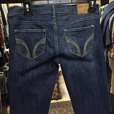 Hollister Jeans Size 5, w27 These jeans are in great shape. Hollister size 5, the inseam is 26 inches. The tag says SoCal Stretch. Hollister Jeans Skinny