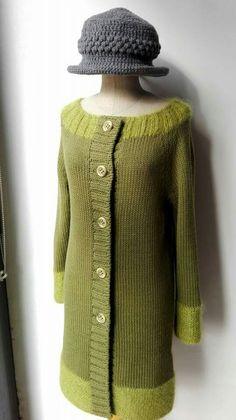 Cappottino verde acido in pura lana con bordi mohair e seta