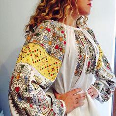 Vintage traditional Romanian blouse (IIE) via Mircea Cantor