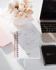How to plan your career in fashion Workspace Inspiration, Study Inspiration, Home Decor Inspiration, Planners, Bureau Design, Study Motivation, Desk Organization, Desk Accessories, Home Office Decor