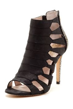 eda128286ff I own these shoes!! The backs are covered in gold glitter! So hot