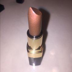 BRAND NEW Bobbi Brown Twilight Shimmer lip color Never used Bobbi Brown Twilight Shimmer lip color. Sheer nude shimmer. Free BB gift with purchase!! Bobbi Brown Makeup Lipstick