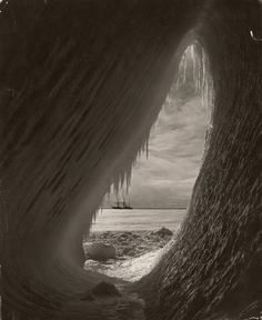 The sailing ship Terra Nova is framed by an ice grotto in Antarctica, 1911 - National Geographic National Geographic Fotos, The Queen's Gallery, Terra Nova, Lomography, Belle Photo, Continents, The Great Outdoors, Old Photos, Vintage Photos