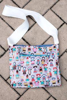 Little Messenger Bag Free Pattern - Life Sew Savory Messenger Bag Patterns, Girls Messenger Bag, Bag Patterns To Sew, Sewing Patterns Free, Free Sewing, Free Pattern, Handmade Shop, Handmade Bags, Folding Shopping Bags