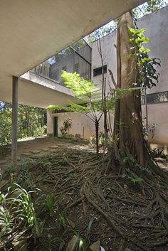 Lina Bobardi-Casa de Vidrio, Sao Paulo 1951.