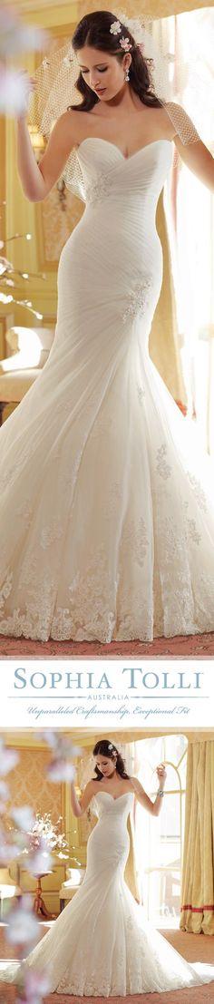 Love this mermaid cut dress #wedding #dress