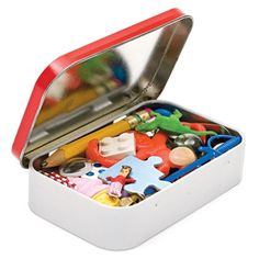 I love this for all my little one! TINY TREASURE HUNT from an altoids tin... and other great ideas!