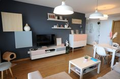 salón y comedor low cost y estiloso Ikea, Muebles Living, Office Desk, Corner Desk, Furniture, Home Decor, Exercise, Everything, Home Decorations