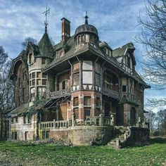 An abandoned victorian Mansion in Belgium..