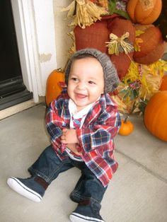 stylish boy! baby jonah!!! =) If you know me i'm scared the death of kids but if i had one this would be him all day!