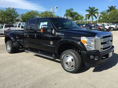 2016 Ford F350 Platinum 4—4 Diesel Crew Dually