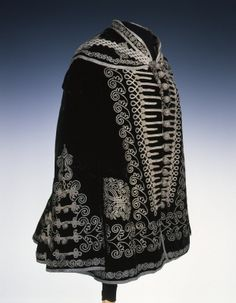 Overcoat Hungary Museum of Applied Arts, Budapest Fashions From History 1800s Fashion, Victorian Fashion, Vintage Fashion, Historical Costume, Historical Clothing, Court Dresses, Hungarian Embroidery, Costume Collection, Period Outfit