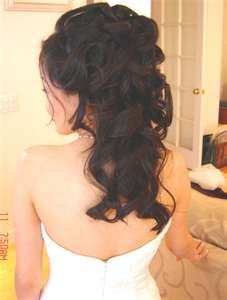I wish my hair could stay curled like this. It's definitely how I want it for my wedding... down and curly