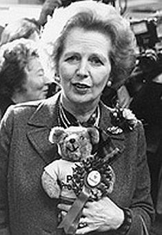 Former British Prime Minister Margaret Thatcher collected teddy bears. Former British Prime Minister Margaret Thatcher collected teddy bears. Teddy Bear Hug, Teddy Bear Gifts, Cute Teddy Bears, Bear Toy, Bear Hugs, Teddy Photos, Bear Photos, Teddy Bear Sewing Pattern, Teddy Ruxpin
