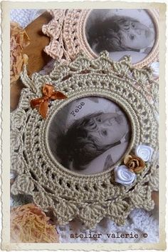 crochet for beginer tutorial Crochet Books, Thread Crochet, Crochet Earrings Pattern, Crochet Rings, Crochet Angels, Crochet Christmas Ornaments, Crochet Decoration, Crochet Squares, Picture Frames
