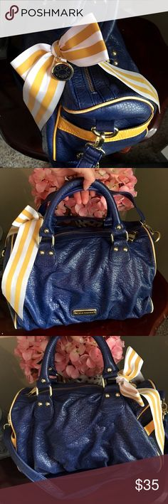 💙💛 Steve Madden Handbag 💙💛 💙💛 Steve Madden Handbag 💙💛 isn't cute!! One of my fav for sure, but gotta let go! It's very spacious! I used it a few times for gym bag 😜 on the bottom inside it has a few pen marks, let me know if you have questions! Offers welcome Steve Madden Bags Shoulder Bags