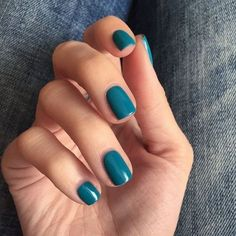 Perfect Winter Nail Designs To Make You Feel Warm - New Ideas Gorgeous Nails, Love Nails, How To Do Nails, Fun Nails, Pretty Nails, Opi, Essie, Pantone Turquoise, Nail Polish Colors