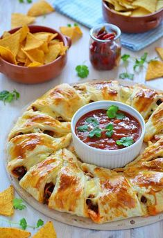 Pyszności Gray Things gray color with brown Mexican Food Recipes, Snack Recipes, Cooking Recipes, Brunch, Croissant Brioche, Appetizer Sandwiches, Good Food, Yummy Food, Savoury Baking